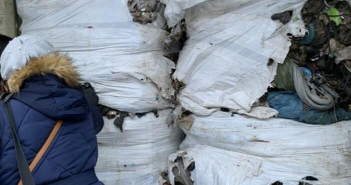 Контейнерите сотпадъците, които пристигнаха напристанището вБългария, трябваше да бъдат прехвърлени