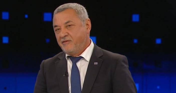 Лидерът на НФСБ Валери Симеонов отправи сериозни критики към Комисията