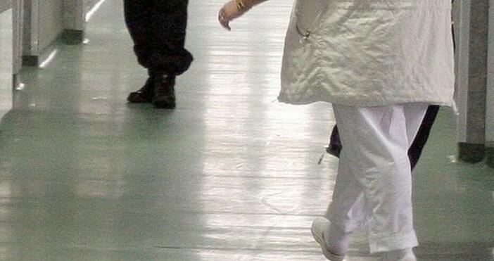 Великотърновската окръжна прокуратура предаде на съд медицинска сестра, теглила пари