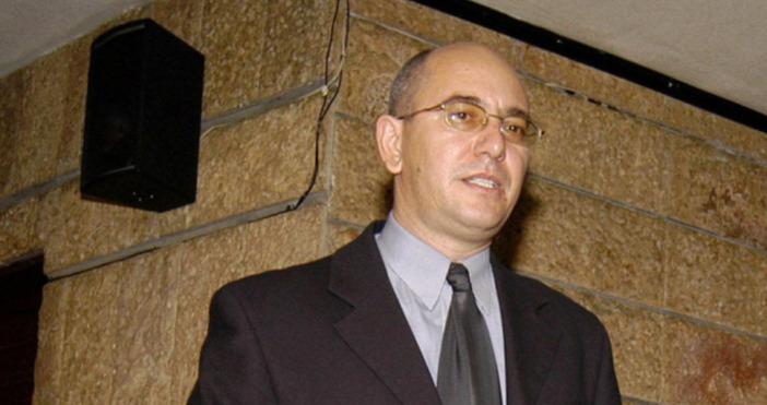 Министърът на околната среда и водите Емил Димитров обвини червената