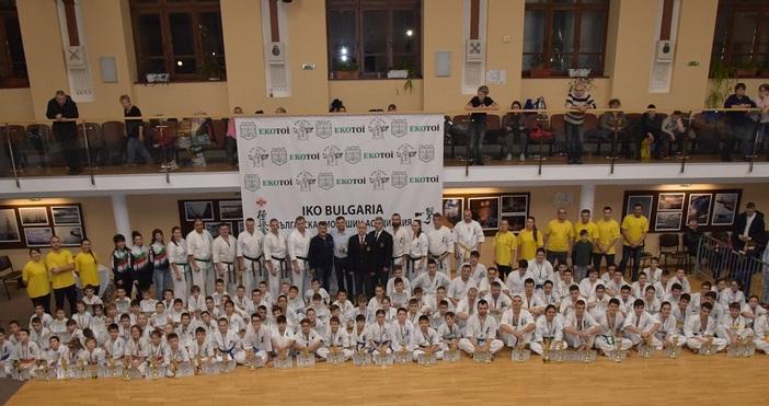 В Юнашки салон-Варна, се проведе традиционното отворено клубно първенство по