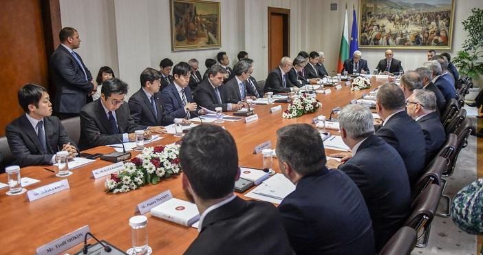 Снимки БулфотоПрезидентът Румен Радев се срещна с представители на едни