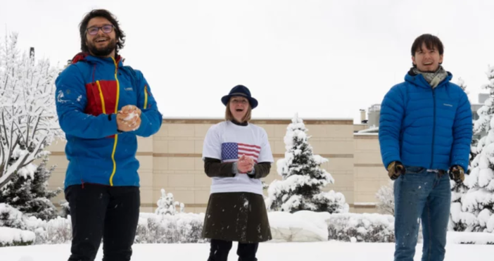 Снимки:фейсбукВ Посолството на САЩ в София отпразнуваха дългоочаквания снеговалеж с