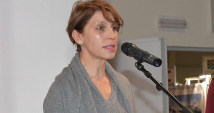 На снимката Малина Едрева, председател на групата наГЕРБв досегашния СОСКомуникационнатаплатформа