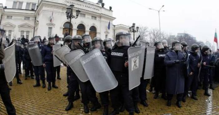 Снимка БулфотоКоронавирусът е най-голямата тема за България и света, но