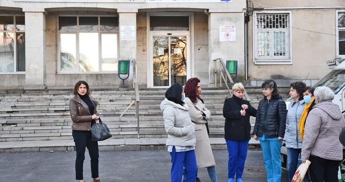 Снимки БулфотоВълна от оставки в столичната Втора градска болница, която