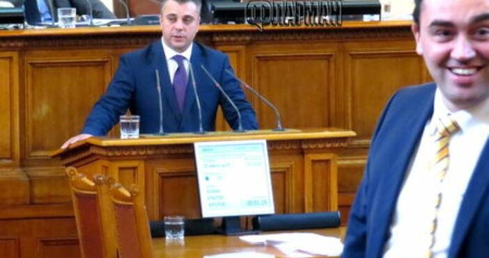 """Според секретаря на парламентарната група на """"Обединени патриоти"""" (ОП) Юлиан"""
