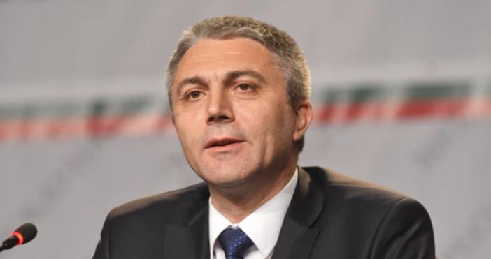 Снимка БулфотоПредседателят на ДПС Мустафа Карадайъ коментирасъстоянието на депутата и