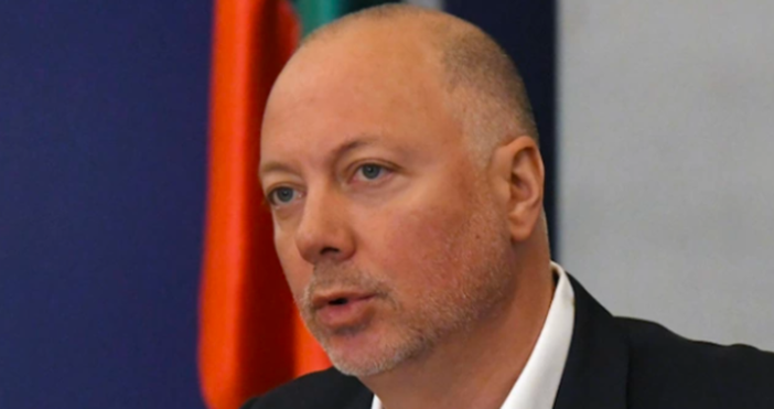 Росен Желязков, министър на транспорта, призна пред bTV, че има