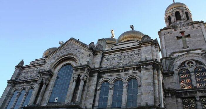 Двадесет и два православни храма във Варна ще бъдат дезинфекцирани