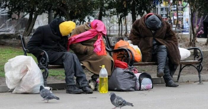 Kризисните центровеза настаняване на бездомни продължават даработятдори по време на