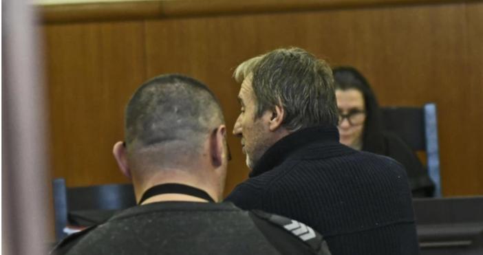 Снимка: БулфотоБившият шеф на Комисията по хазарта Огнемир Митев остава