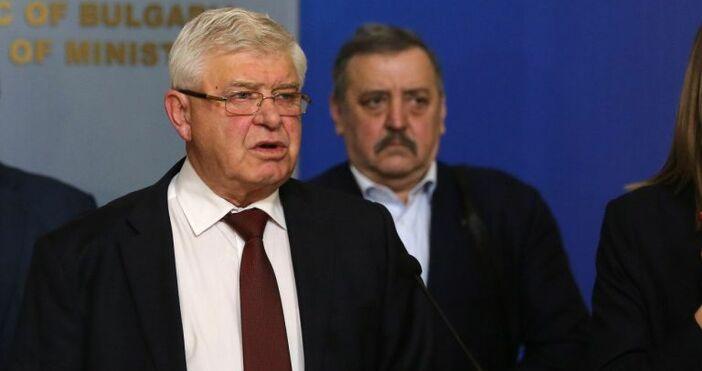 БулфотоЗдравният министър Кирил Ананиев заяви пред БНР, че не вижда