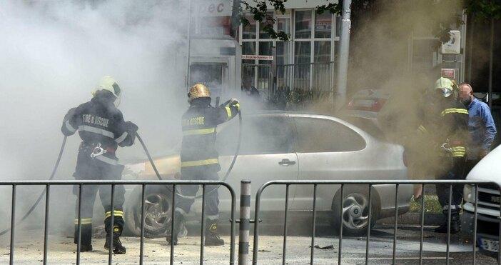 снимки: БулфотоТехнически проблем е най-вероятната причина за пожара в автомобил