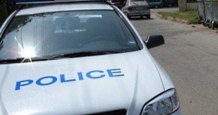 Млад мъж простреля двама събирачи на дългове, които дошли да