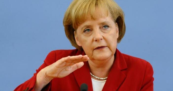 Федералното правителство на Германия наблюдава внимателно коронавирусната пандемия, но практическата