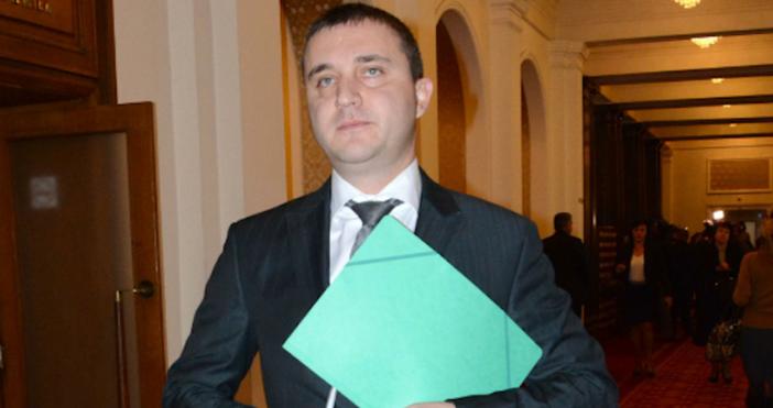 БулфотоФинансовият министър Владислав Горанов ще участва днес в петъчния парламентарен