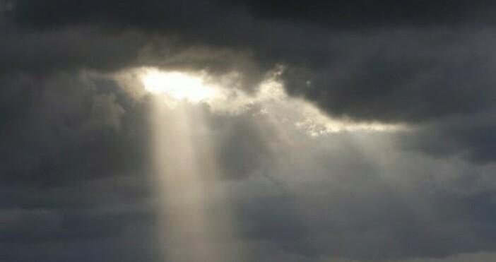 снимка: БулфотоВ сутрешните часове облачността ще е променлива, почти без