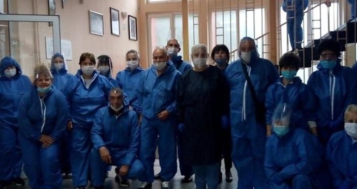 Редактор:Веселин Златковe-mail:veselin_zlatkov_petel.bg@abv.bgНе, това не са доктори в болницата в Ухан