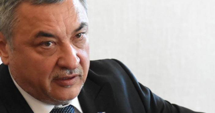 Снимка БулфотоЗаместник-председателят на Народното събрание Валери Симеонов коментира последнитепостове на