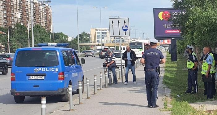 снимки: БулфотоМоторист загина при тежка атастрофа на столичния булевард