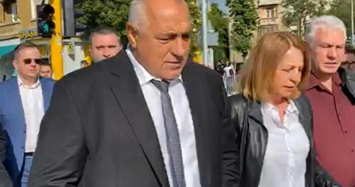 Премиерът Бойко Борисов и кметът на София Йорданка Фандъкова инспектират