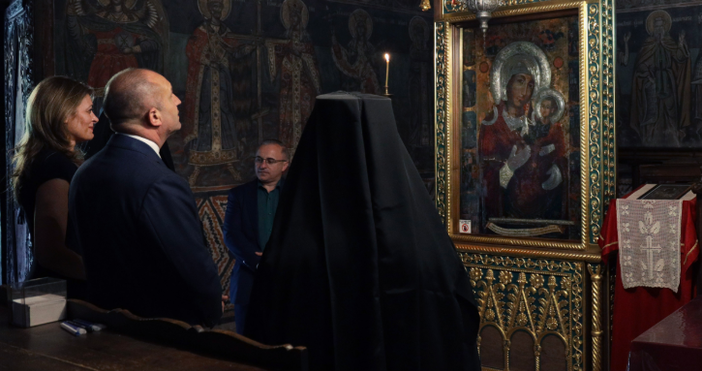 Снимка: Прессекретариат на държавния главаПрезидентът Румен Радев и съпругата му