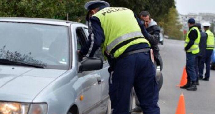 Снимка: БулфотоВъзможносттаслужител на МВРда глобява шофьорите сфишна пътя създава предпоставки