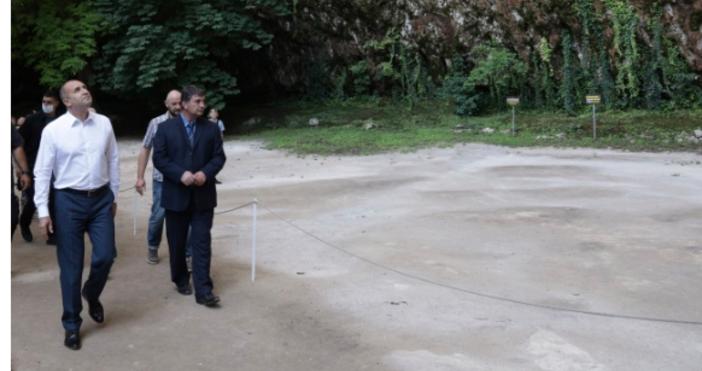СнимкаПрессекретариата на президентствотоНежеланието на прокуратурата да види многобройните фрапантни скандали