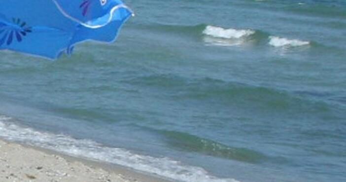 Снимка БулфотоВидеоклип как спасител от южния несебърски плаж изважда с