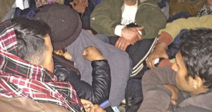 БулфотоНад 50 нелегални мигранта, влезли на територията на България, и