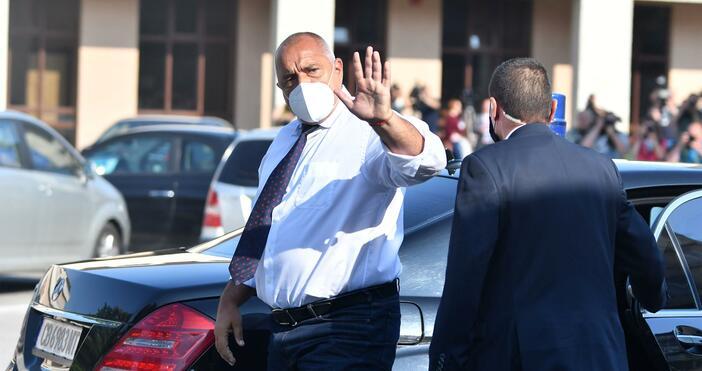 Снимки: БулфотоПремиерът Бойко Борисов пристигна в Специализираната прокуратура, съобщава Блиц.Премиерът