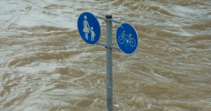 СнимкаPixabayСилен дъжд валя снощи в Добрич. Наводненибяха улиците. От местната