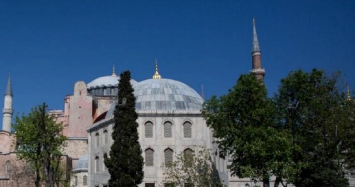Снимка БулфотоОчаква се утре турският съд да обяви решението си