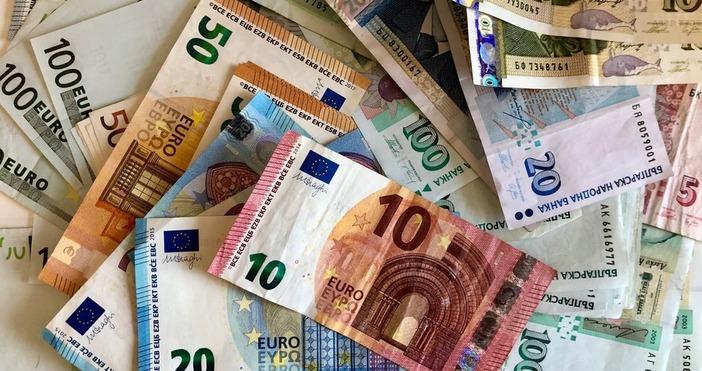 Еврозоната е готова да пусне в чакалнята на валутния съюз