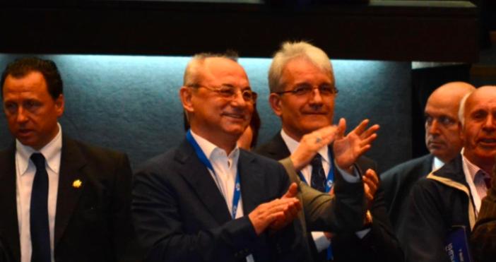Снимка Булфото, архивПочетният председател на ДПСАхмед Догани депутатът от движениетоДелян