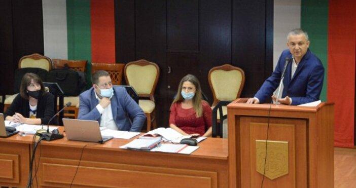 Автор Диан Иванов, СегаНовата политическа ситуация в страната доведе до