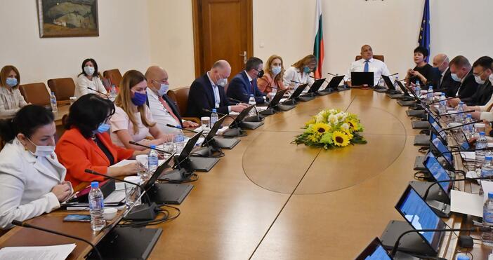 Снимка: БулфотоМинистърът на финансите Владислав Горанов, министърът на вътрешните работи