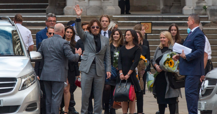 снимки БулфотоПриключи делото за клевета, което Джони Деп води срещу