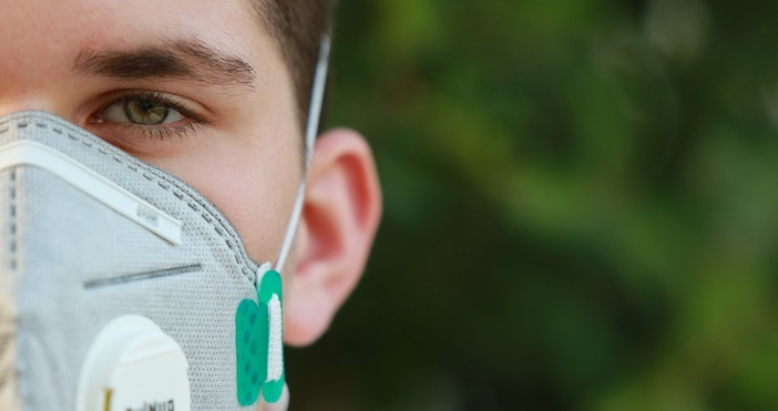снимкаpixabayНосенето на предпазна маска в оживени открити пространства вече е