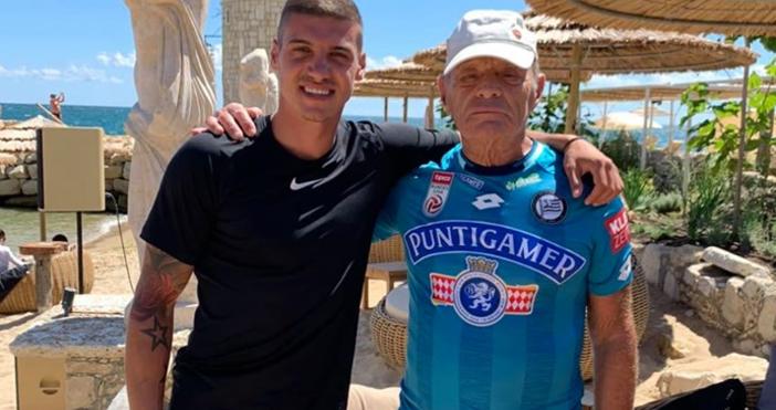 """Снимки: читател на """"Петел""""Футболист №1 на България за 2018 година"""