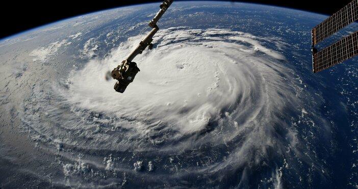 фото: НАСАСлед изпращането на няколко спътникови ескадрили Starlink тази година,