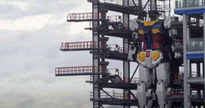кадър: Youtube,Michael Overstreetnauka.offnews.bgНай-големият робот, създаван някога, наистинаизглежда страховито. Той е