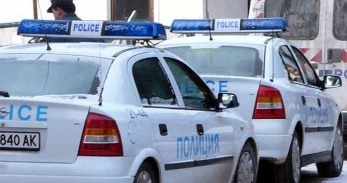"""Снимка: БулфотоТоварен автомобил """"Мерцедес"""", обявен за откраднат в Италия, са"""