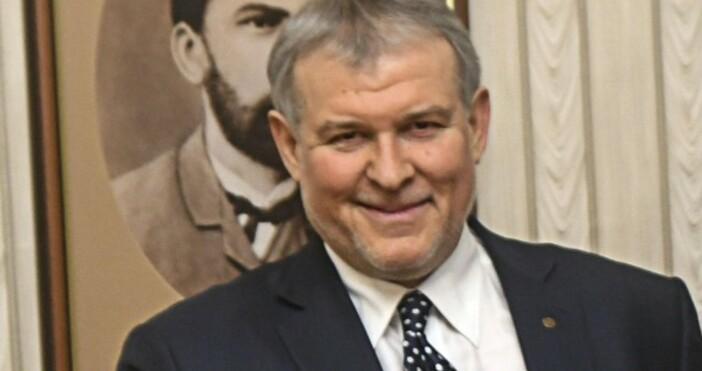 Снимка: БулфотоПравителството да продължи да управлява, но без Бойко Борисов.