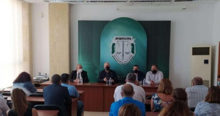 Снимки: Прокуратура на Република България, Иван Гешев, ТуитърПоздравих колегите от