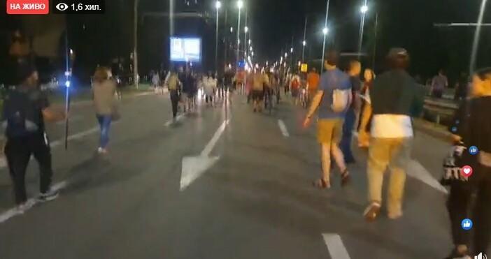 Стотици с факли блокираха Цариградско шосе в София, посока Плиска,