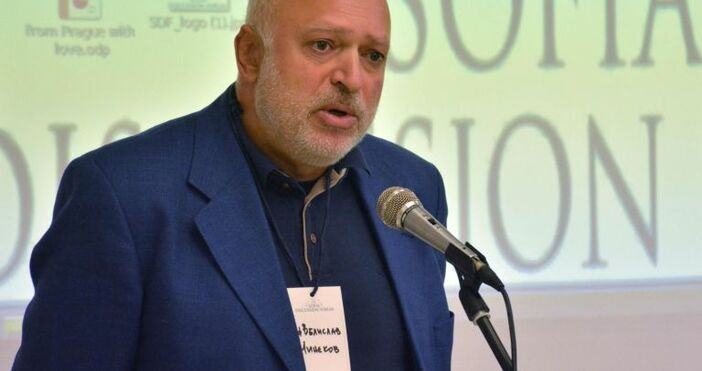 снимка БулфотоАтлантическият съвет, в който е Велислав Минеков, поиска импийчмънт
