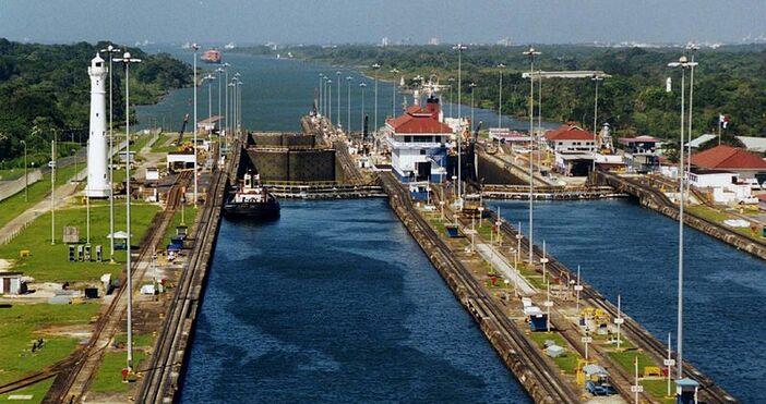 фото:, УикипедияНа 15 август 1914 г., каналът прокопан през Панамския