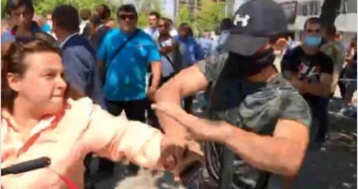 Снимка: фейсбук, Полина ПауноваБоят по активисти и агресията срещу журналисти